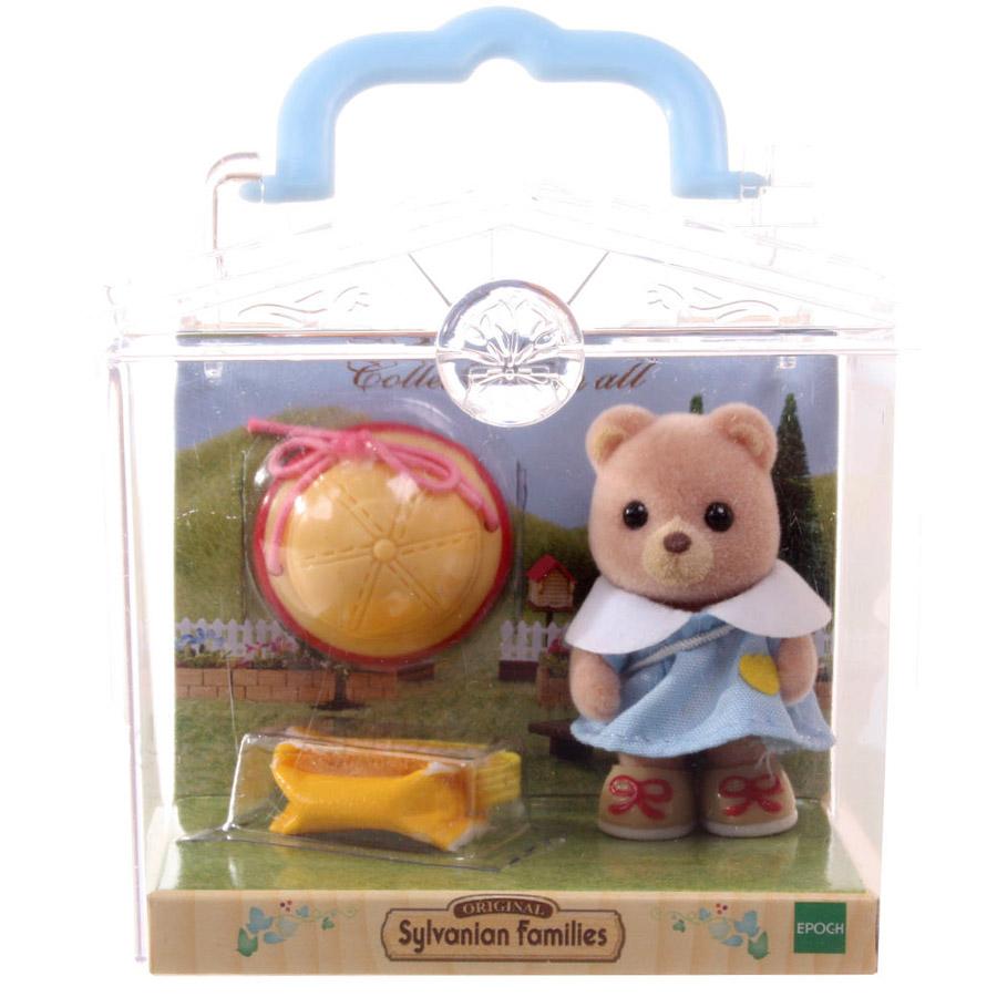 Игровой набор Sylvanian Families Младенец в пластиковом сундучке медвежонок с сумочкой, котёнок сидит за партой, панда катается на каталке-паровозе<br>
