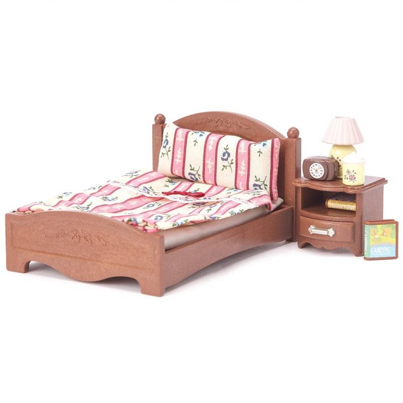 Мебель и аксессуары Sylvanian Families Большая кровать и тумбочка<br>