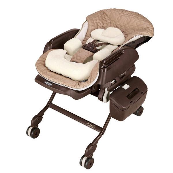 Колыбель-стульчик для кормления Combi Nemulila Auto Swing BE без одеялка<br>