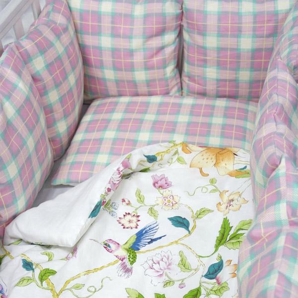 Комплект в кроватку ByTwinz с бортиками-подушками 6 предметов Колибри<br>